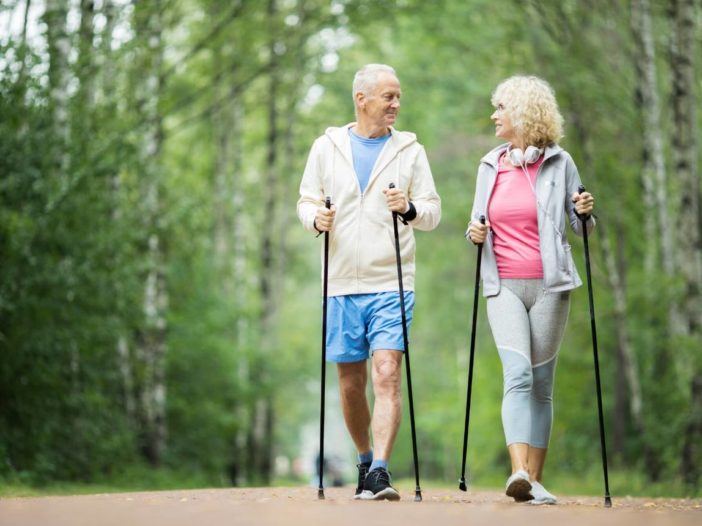 retired couple staying healthy in retirement